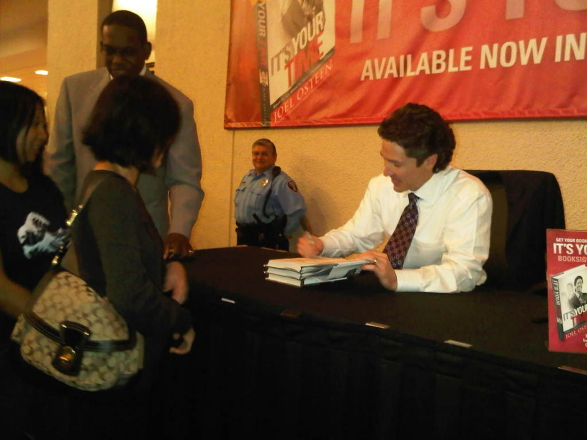 Pastor Joel Osteen book signing